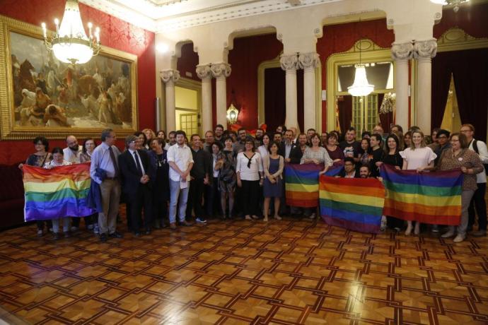 PALMA. POLITICA AUTONOMICA. El Parlament evita que se discrimine a gais, lesbianas y transexuales.