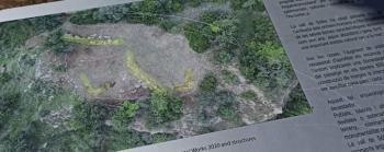 Uns desconeguts fan malbé els panells del jaciment del Puig d'en Canals