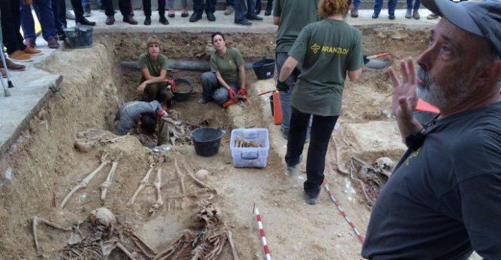 El Govern i Porreres firmen un conveni per a les tasques d'exhumació pendents en la fossa número 5