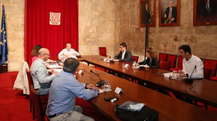 El Govern espanyol atén la petició d'Armengol i autoritza a presentar ERTO parcials per centres de treball