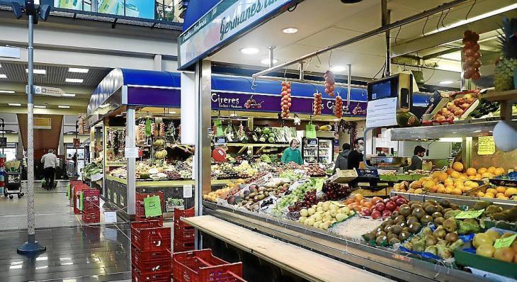 Els empresaris de mercats municipals sol·liciten millores a l'Ajuntament