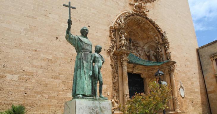 Divisió d'opinions entre els nostres lectors sobre el futur de l'estàtua de Juníper Serra a Palma