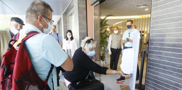 Els hotelers de s'Arenal demanen que l'obligatorietat de la màscara es comuniqui als turistes