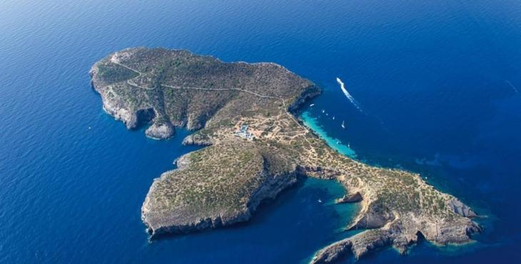 Eivissa ja té la primera embarcació destinada a la vigilància de les reserves marines
