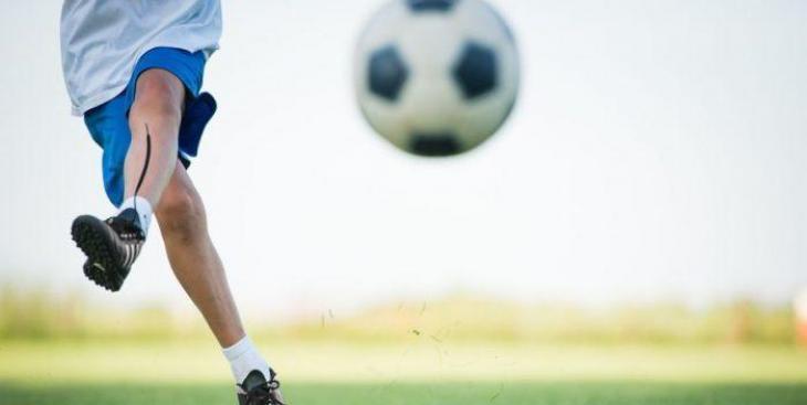 El Govern demana que no es discrimini als infants que no tenen la nacionalitat espanyola i que volen jugar a futbol