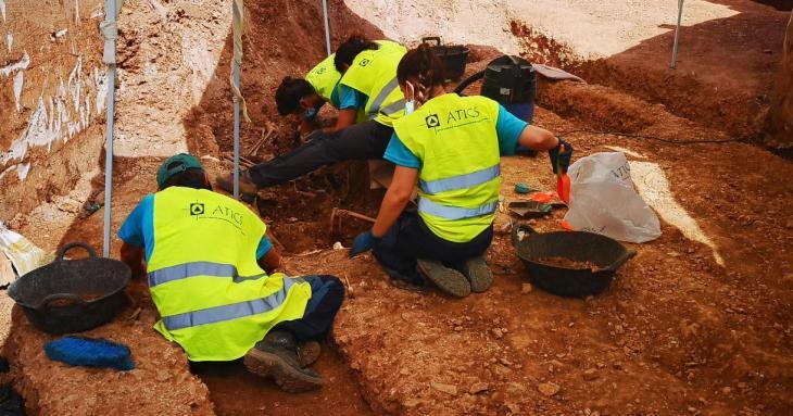 Apareixen les primeres restes de dones enterrades a Son Coletes