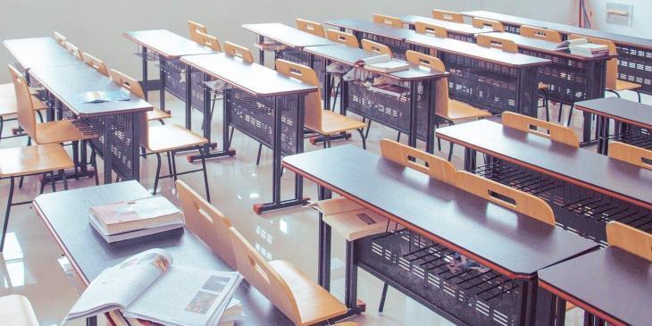 Educació adjudica més de 4.000 places d'interins que s'incorporaran en els centres per al pròxim curs