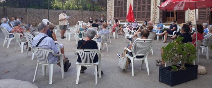 Unes quaranta persones assisteixen a la creació de la plataforma ciutadana que reclama un Centre de Dia