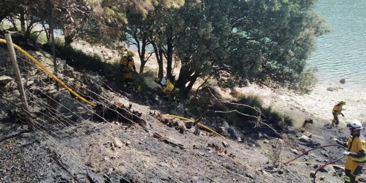Extingit l'incendi forestal del Gorg Blau