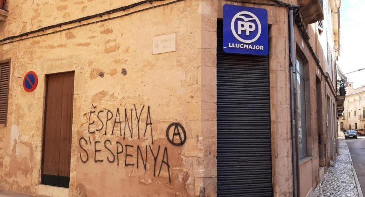 El PP de Llucmajor denuncia una pintada contra Espanya a la seva seu