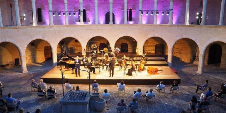 La Simfònica actuarà aquesta setmana al Castell de Bellver i l'Arxiu del Regne