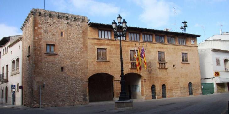 MÉS per Campos critica el «tracte» de la batlessa del municipi envers la seva regidora