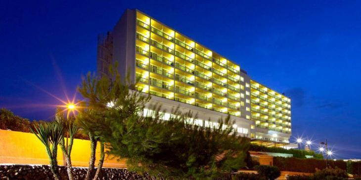 El GOB Menorca presenta un recurs contra la renovació de llicència de l'hotel Castell Playa