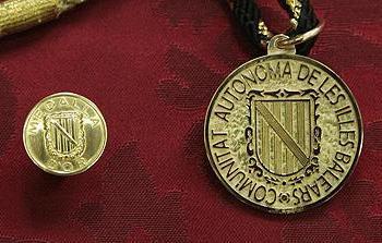 Obert el termini per a presentar candidatures a la Medalla d'Or i als premis Ramon Llull per a l'any 2021