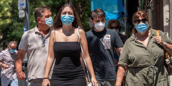 La Policia posa prop de 3.000 multes per no dur màscara i 432 per fumar en espais públics