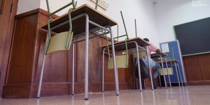 AMP.- Cvirus.- Un total de 224 alumnos y seis profesores dan positivo por COVID-19 durante la última semana en Baleares