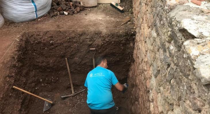 Finalitzen les tasques d'excavació per localitzar una possible fossa de la Guerra Civil al cementiri de Valldemossa