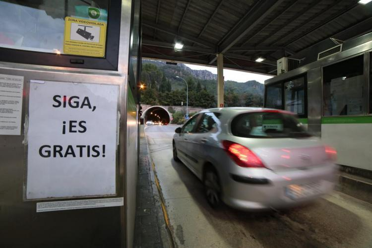 PALMA - El Consell y el Govern materializan con un acto político el rescate del túnel de Sóller.