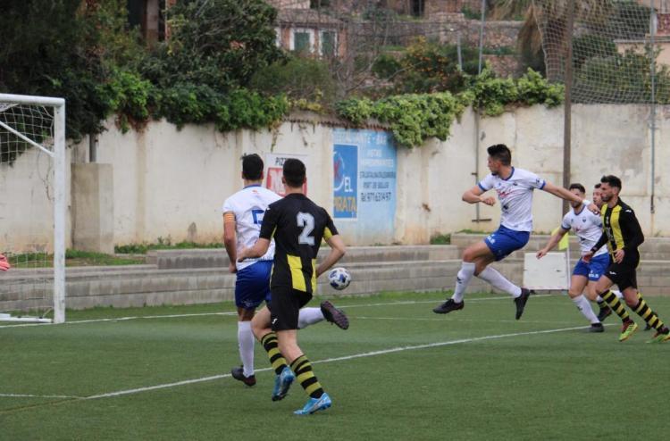 Tres gols d'Esteve i 3 punts vitals pel Sóller
