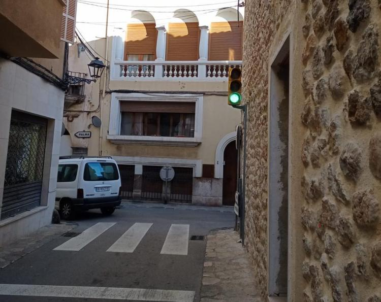 L'Ajuntament canviarà el semàfor de Sant Nicolau al carrer Pastor