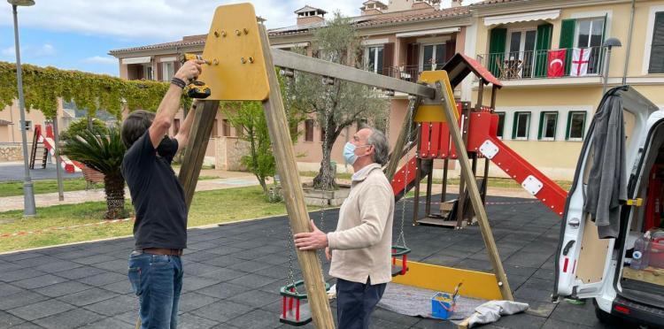 L'Ajuntament continua amb la remodelació dels parcs infantils