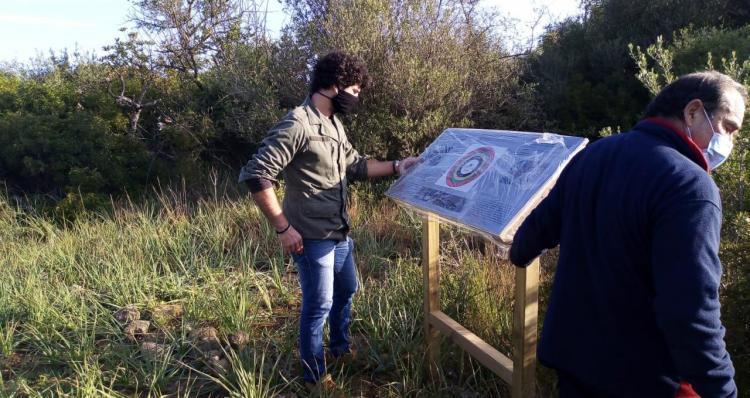 Queden instal·lats els panells informatius al jaciment del Puig d'en Canals